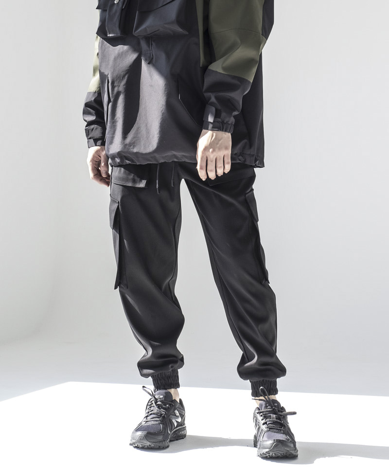 JOGGER TECH PANTS [LOT 02]