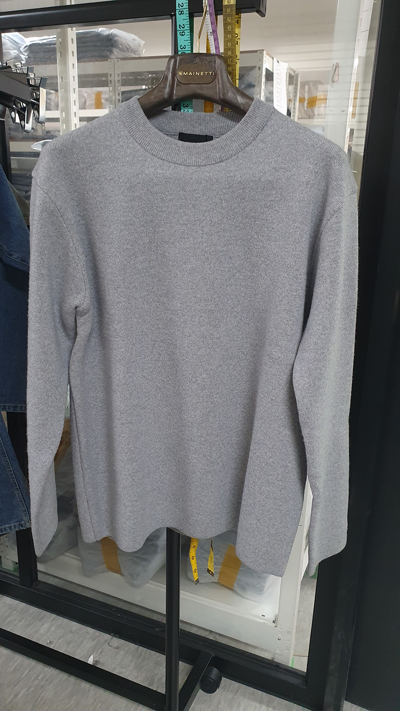 MERDIAN SOFT WOOL MINIMAL SWEATER [LIGHT GREY]